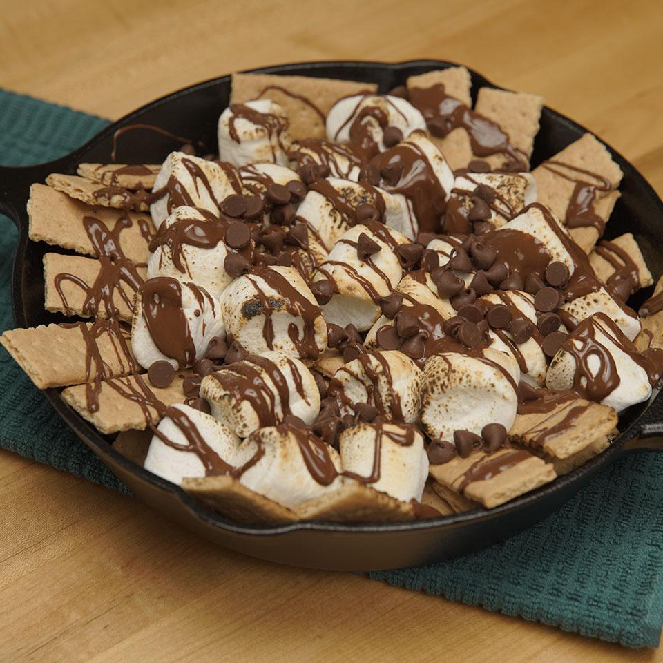 HERSHEY'S Dessert Nachos 3 Ways: Graham Cracker Variation