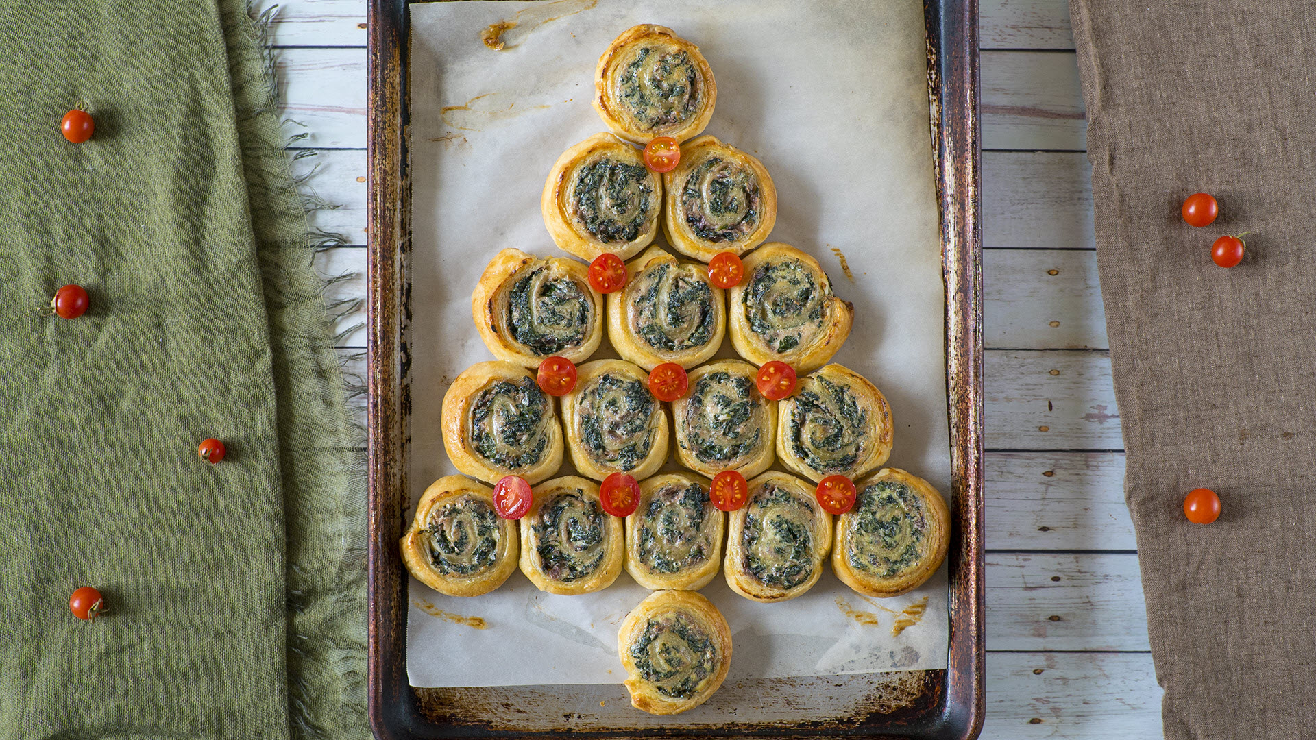 Spinach and Ricotta Puff Pastry Christmas Tree