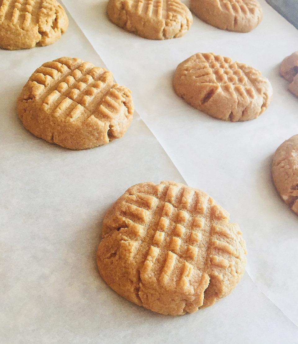 Peanut Butter Cookies from Pyure Elizabeth