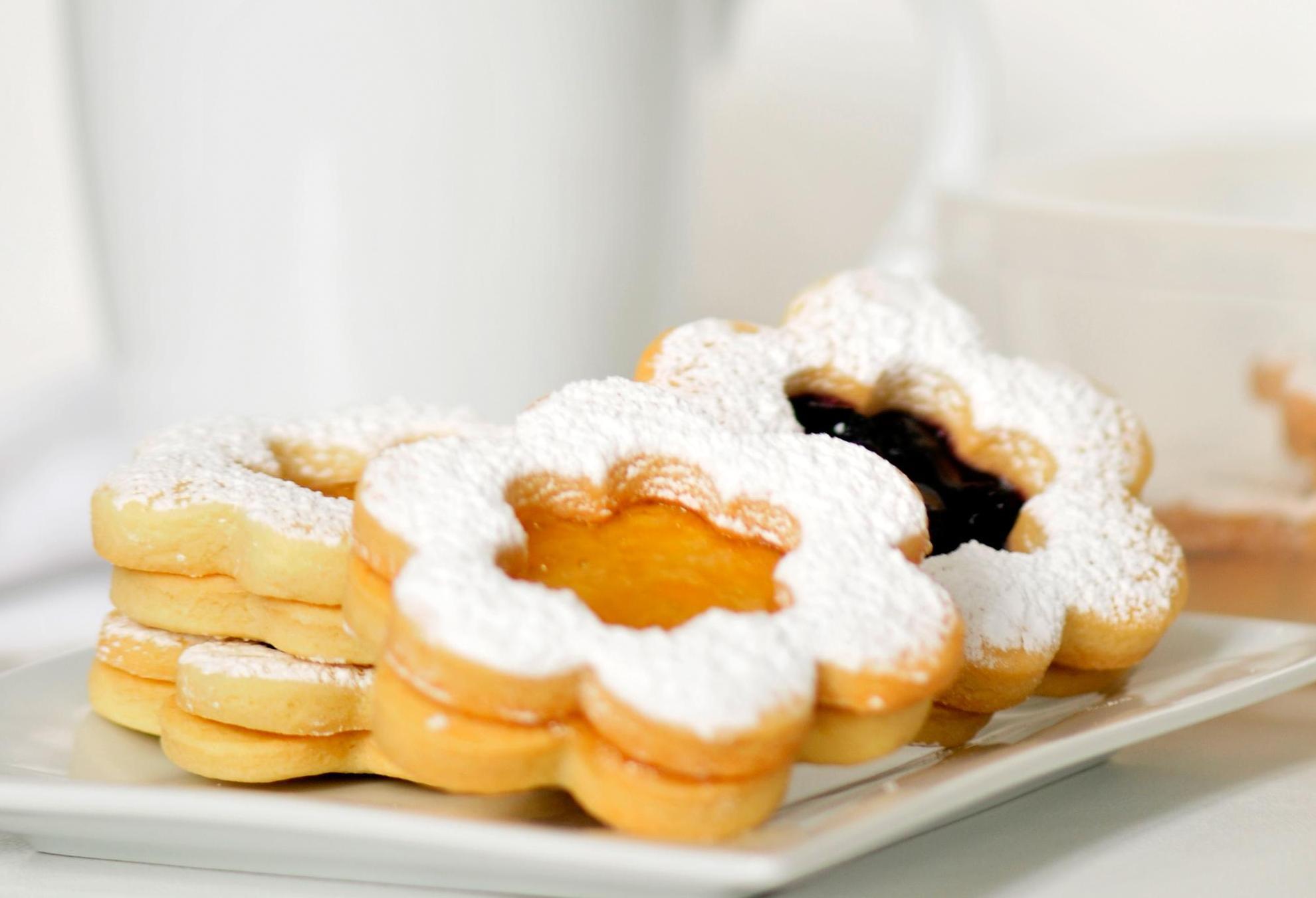 Linzer Torte Cookies k. anderson