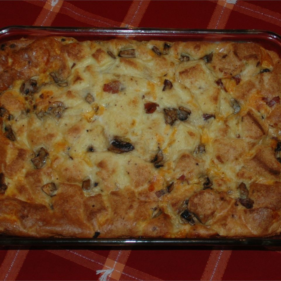 Bacon, Egg, and Cheese Strata Linda