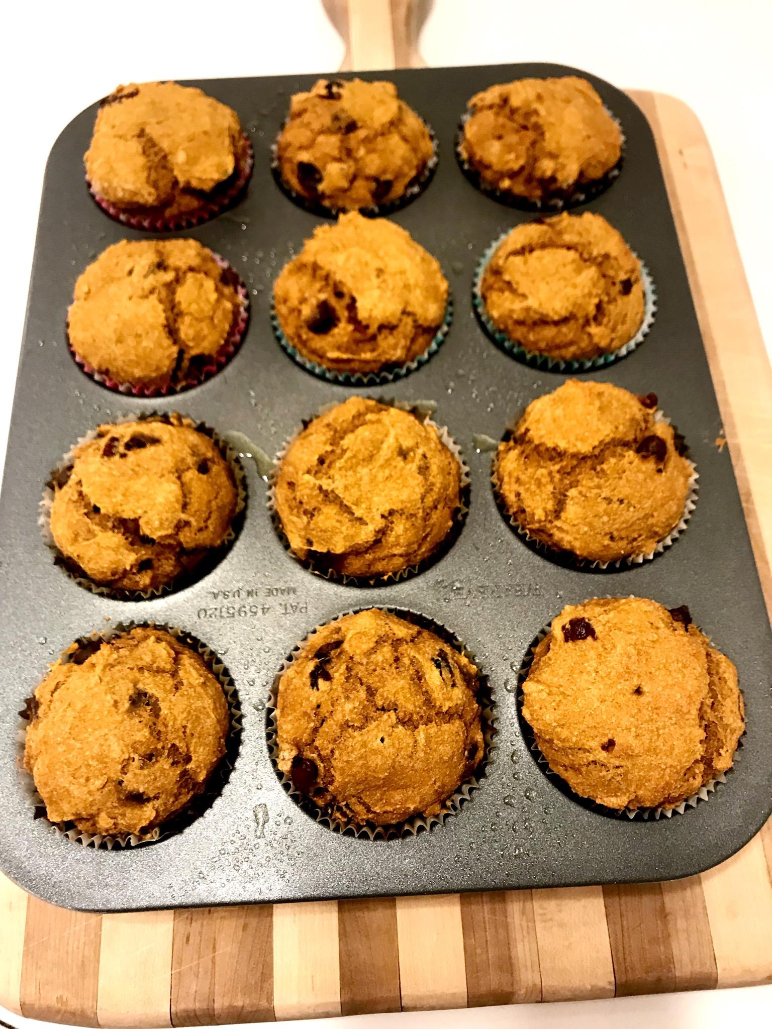 Low-Fat Vegan Pumpkin Chocolate Chip Muffins closetcook