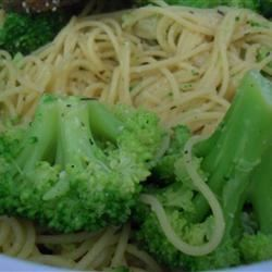 Bow Tie Pasta with Broccoli, Garlic, and Lemon Sarah Jo