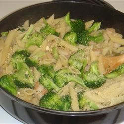 Broccoli and Garlic Penne Pasta saraham