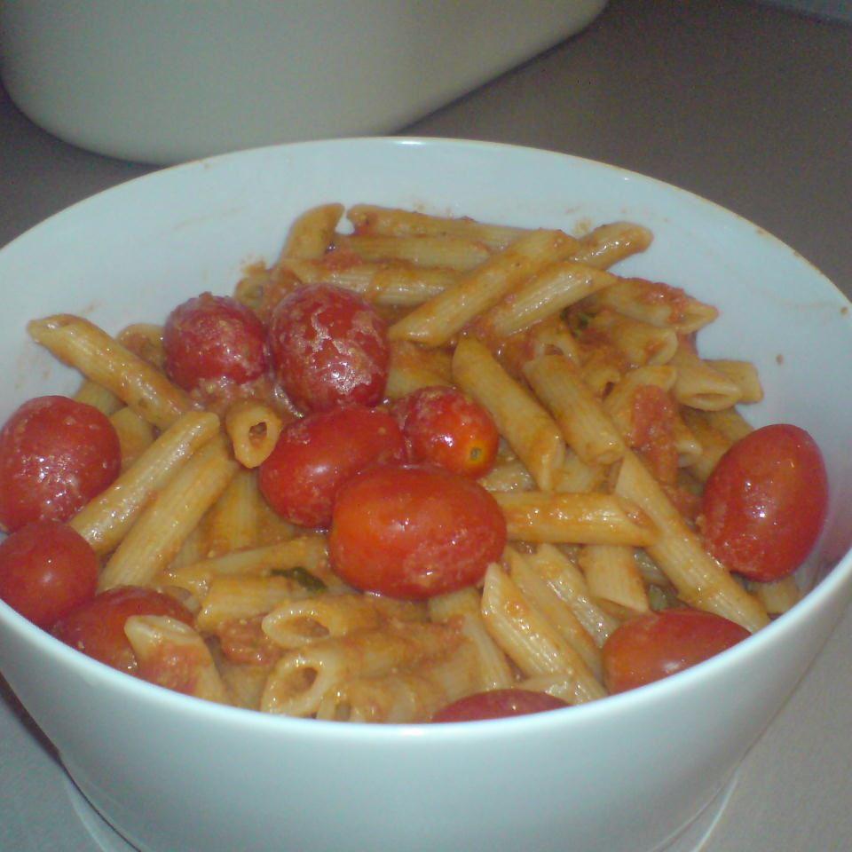 Easy Fusilli with Tomato Pesto Sauce Chef_S