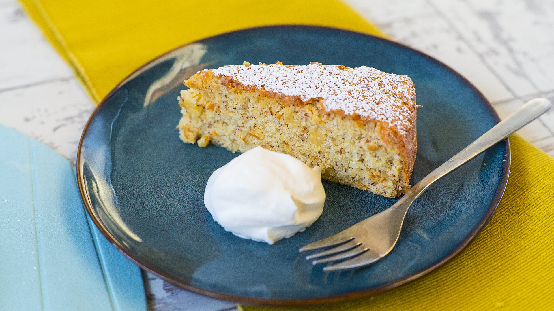 Orange Cake with Semolina and Almonds