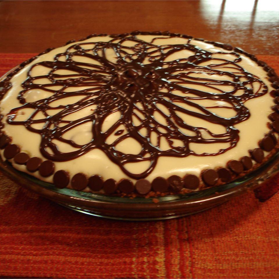Chocolate Caramel Nut Pie deznjohn