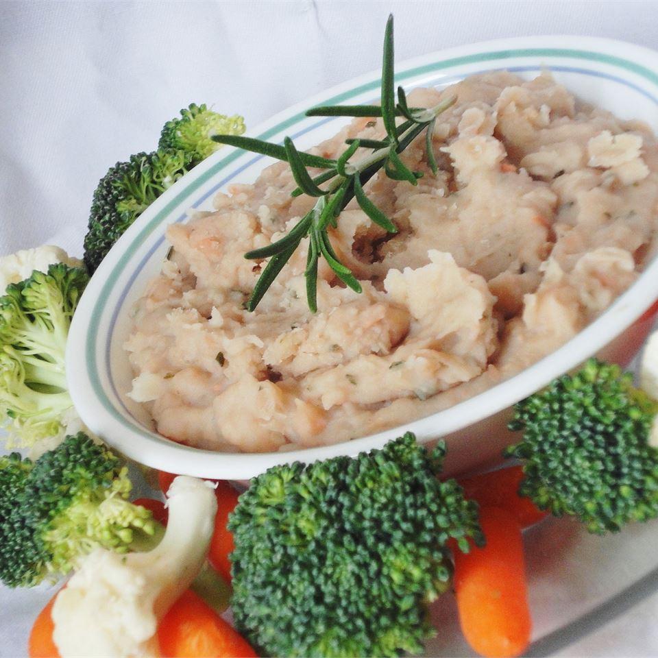 White Bean Spread With Garlic & Rosemary