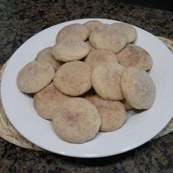 Polvorones de Canele (Cinnamon Cookies) Sabrina Zule