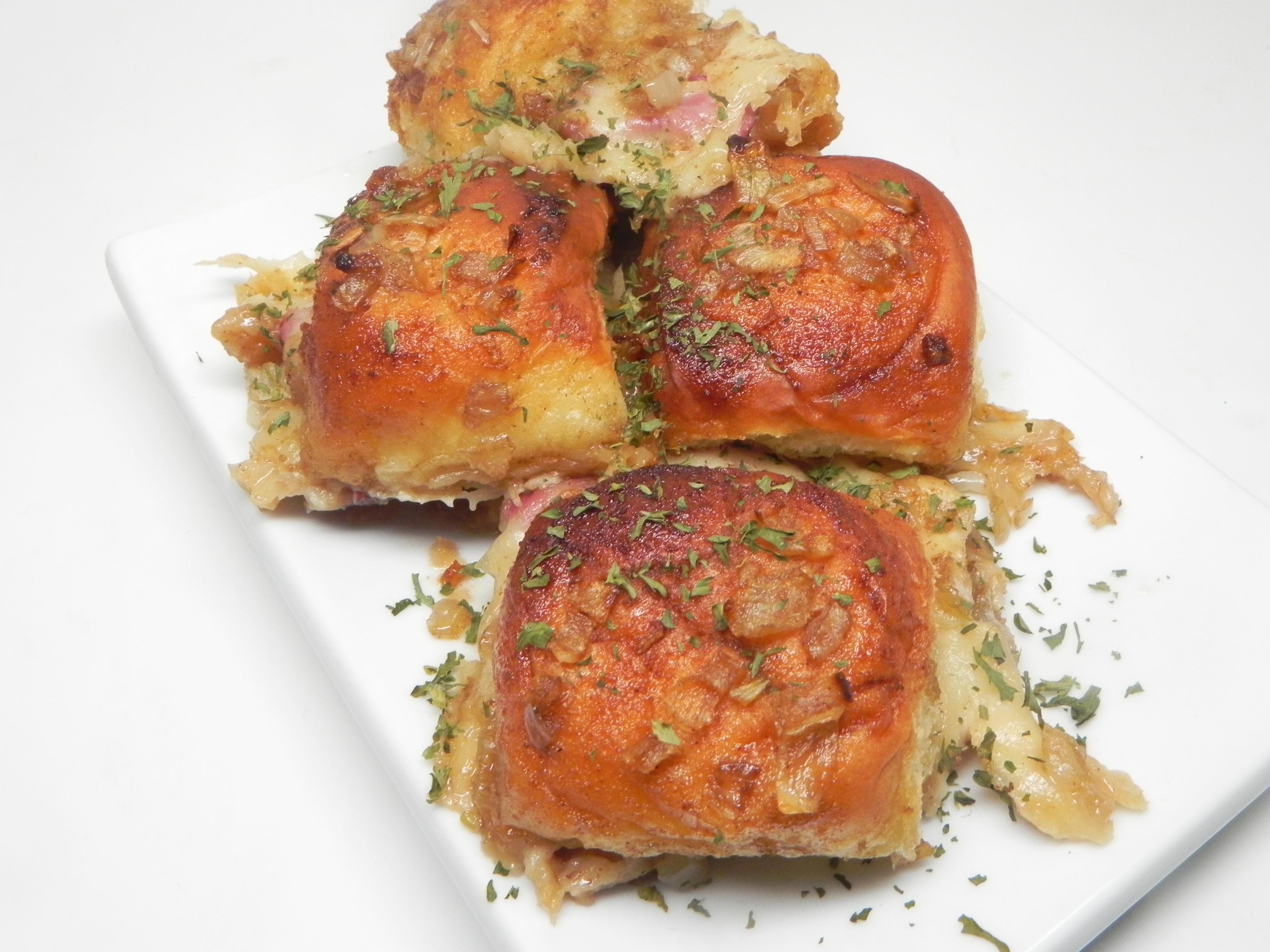 Hawaiian Roll Roast Beef and Cheese Sandwiches
