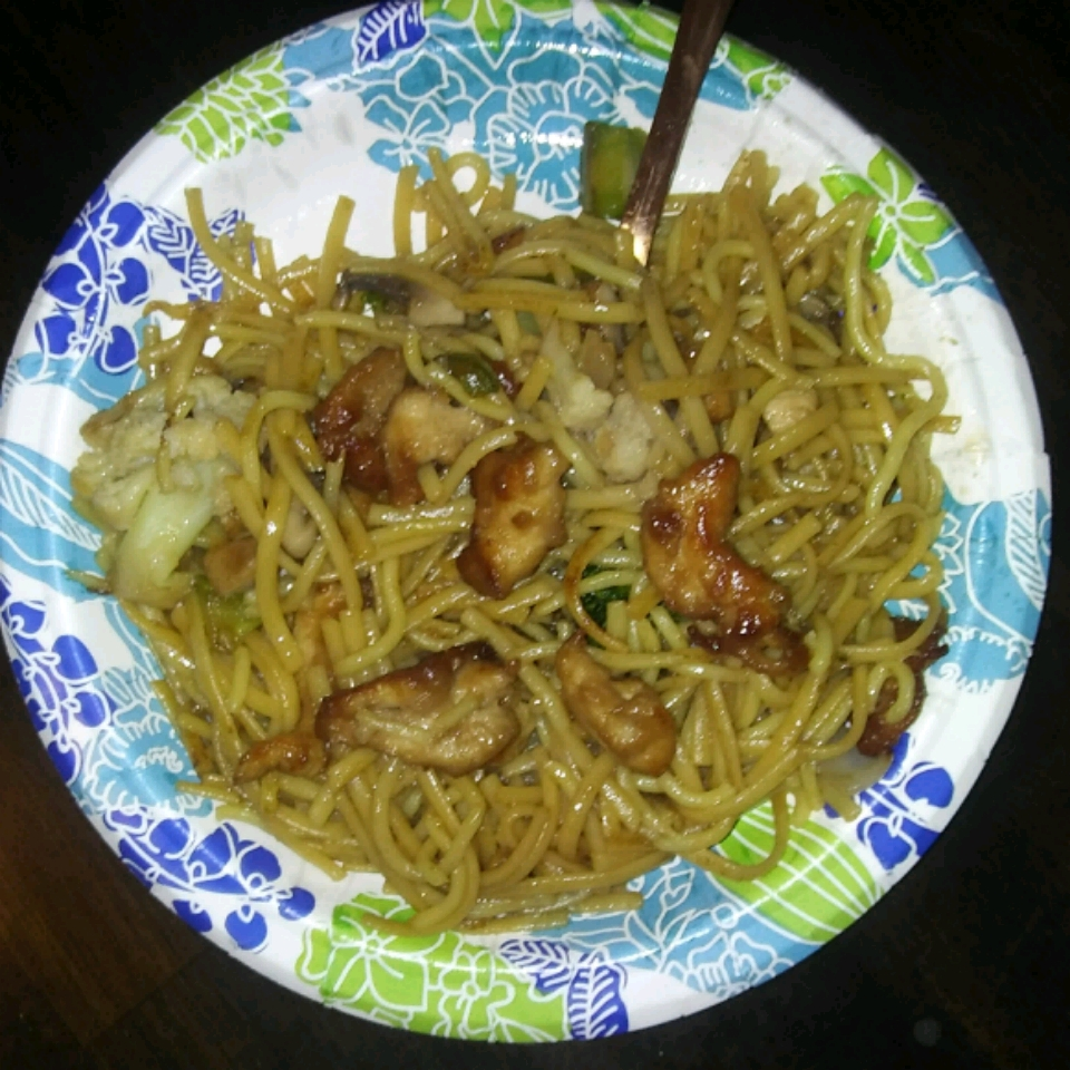 Chicken Lo Mein with Broccoli Sharon Kay