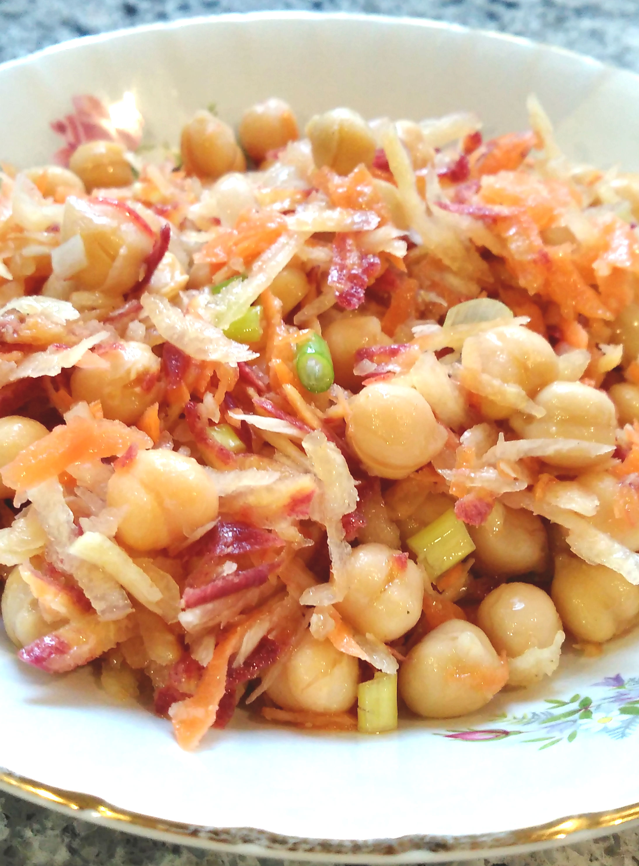 Quick and Easy Carrot and Chickpea Salad Bren