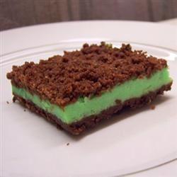 Grasshopper Cheesecake Bars 1cowabunga