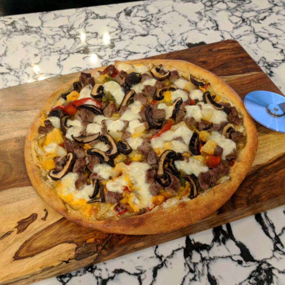 Prime Rib Pizza Lizzy