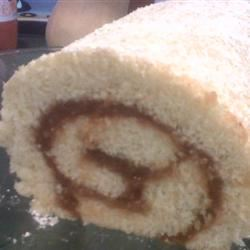Brazo Gitano de Guayaba (Jelly Roll with Guava)