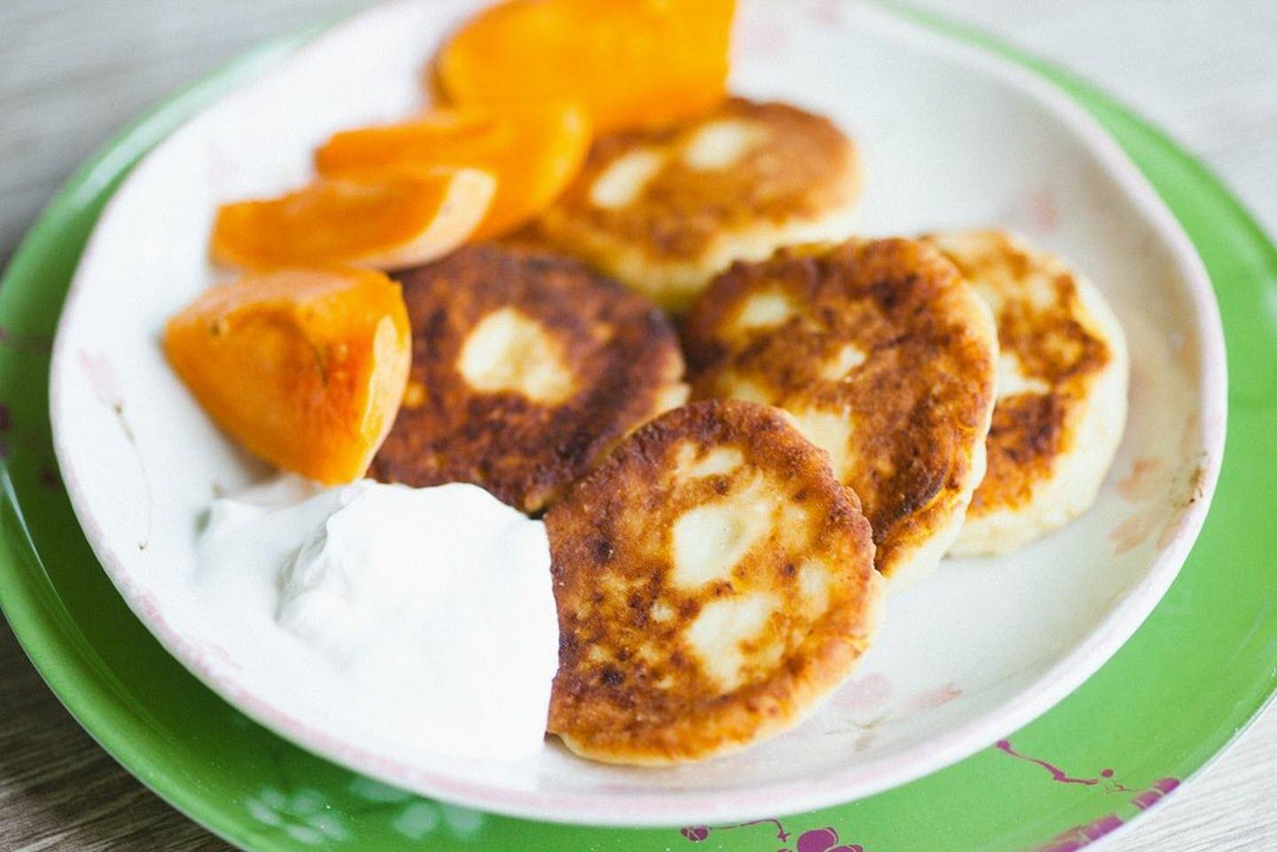 Russian Cheese Pancakes (Syrniki)