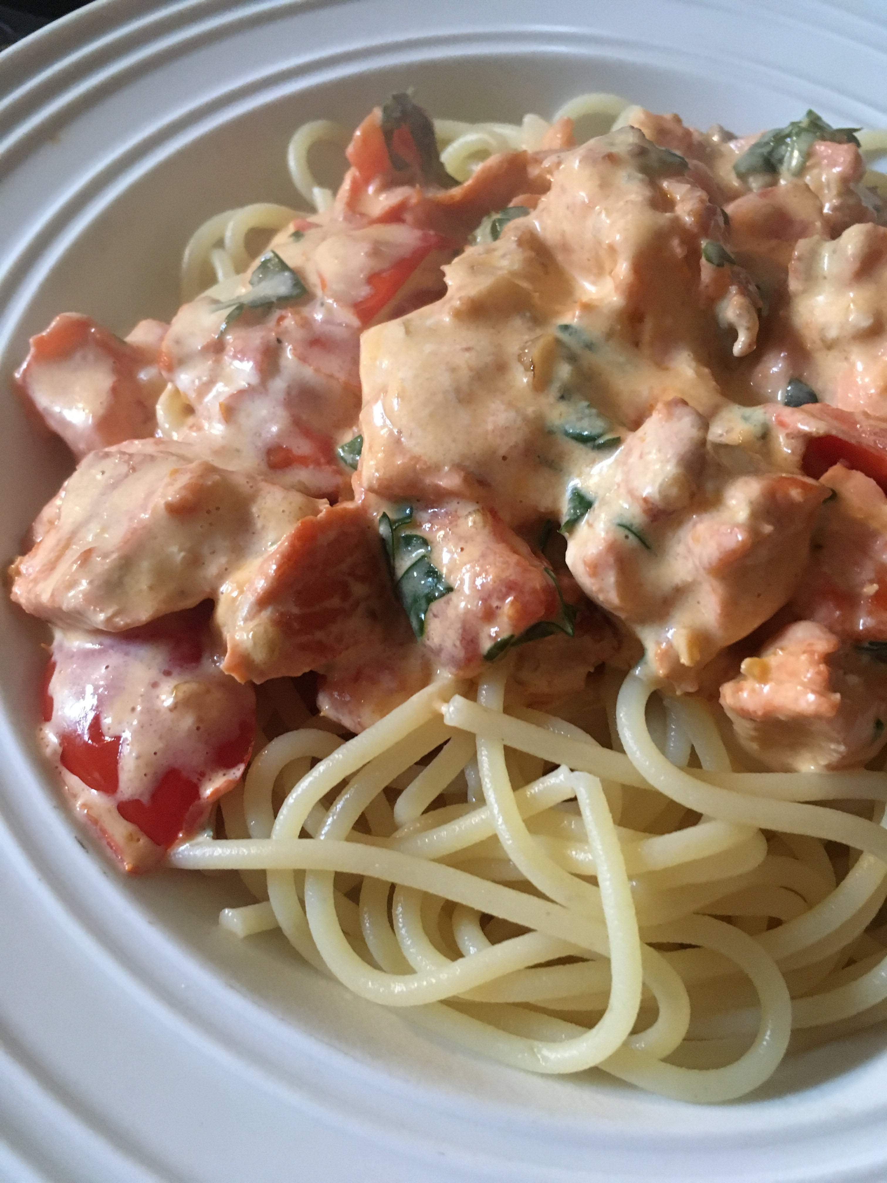 Quick Pasta with Salmon and Tomatoes in Cream Sauce barbara