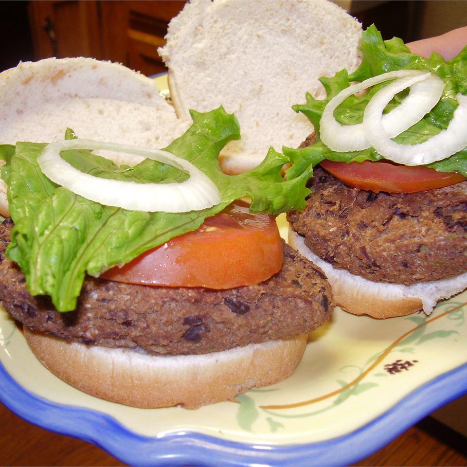 Homemade Black Bean Veggie Burgers WHIRLEDPEAS