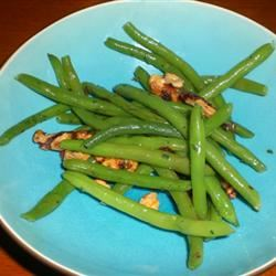 Green Beans With Walnuts