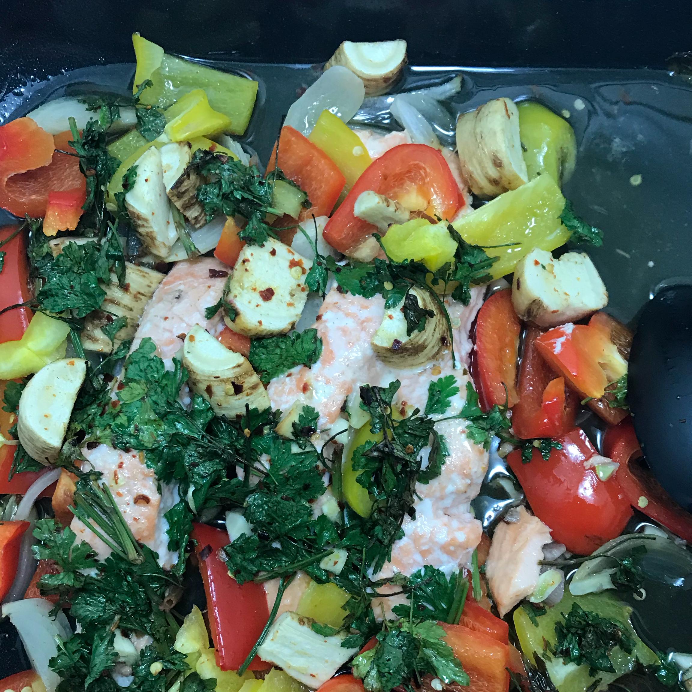 Sheet Pan Salmon and Bell Pepper Dinner Des