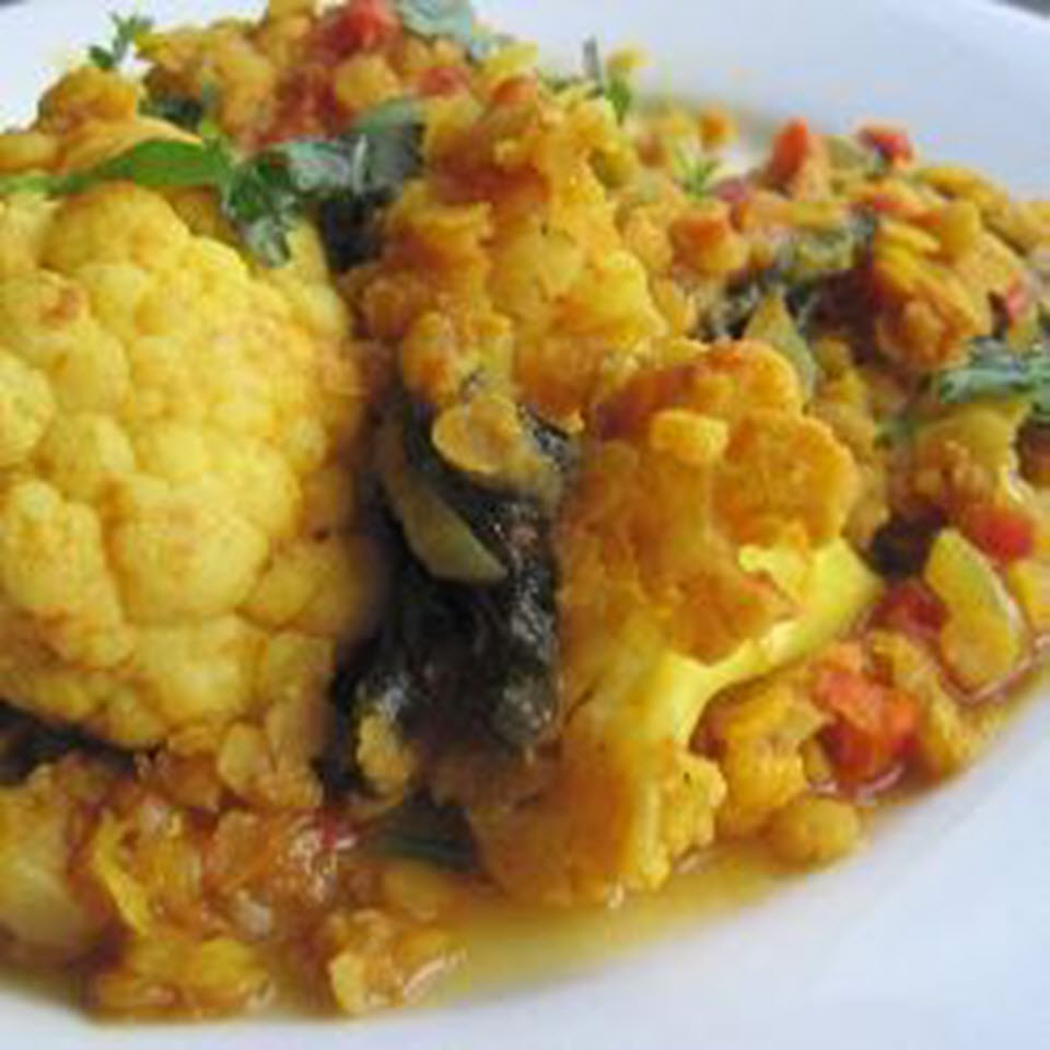 Vegan Curry with Tomatoes, Cauliflower, and Lentils