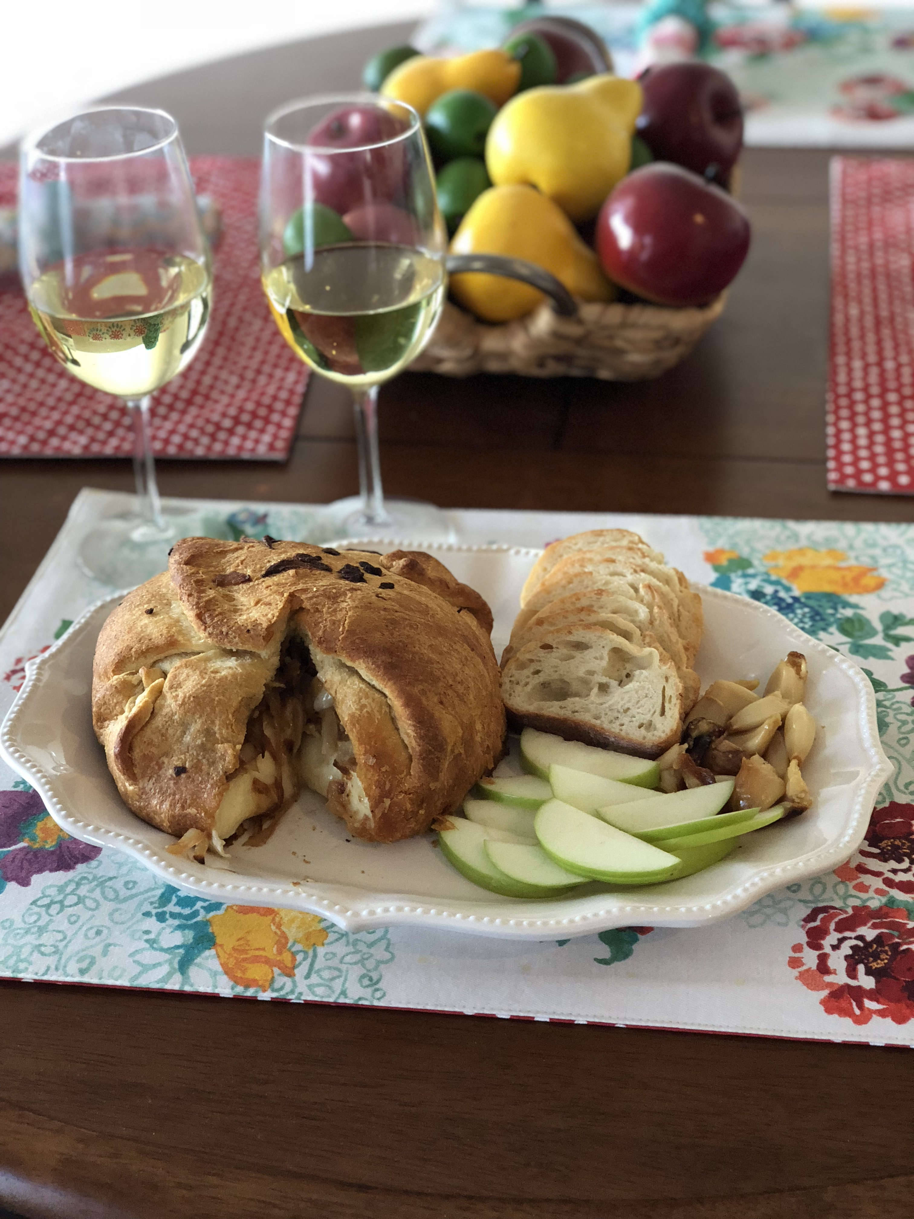 Baked Brie with Caramelized Onions KnJ