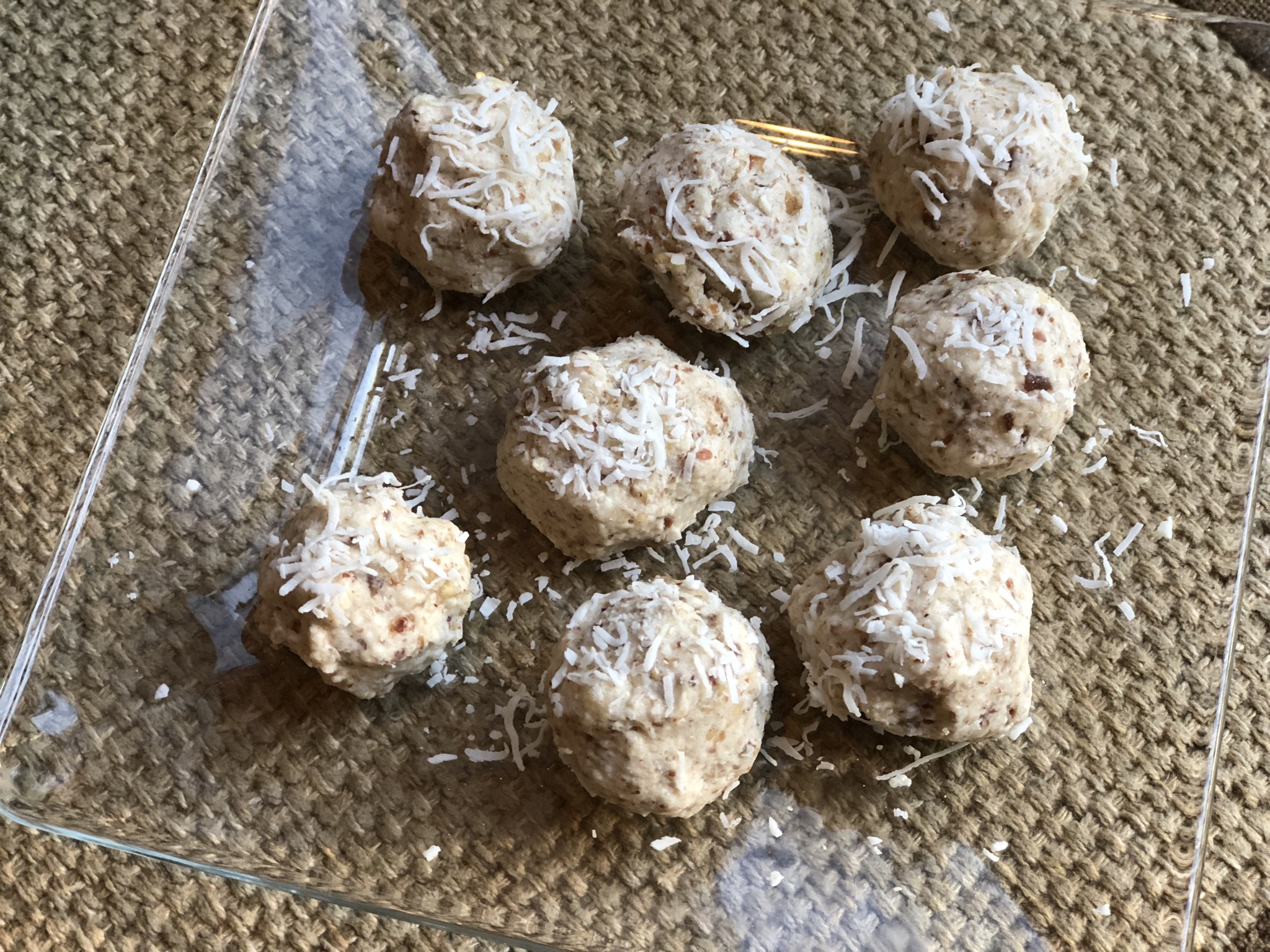 Chocolate, Almond, and Coconut Vegan Fat Bombs Fioa