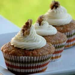 Carrot Cupcakes with White Chocolate Cream Cheese Icing mominml