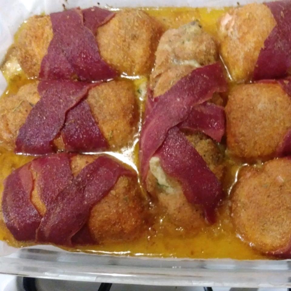 Cream Cheese, Garlic, and Chive Stuffed Chicken Kelly Fowler