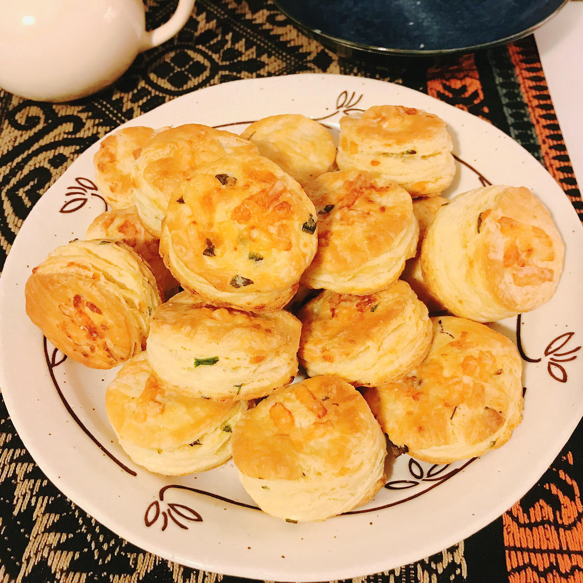 Irish Cheddar Spring Onion Biscuits Romy