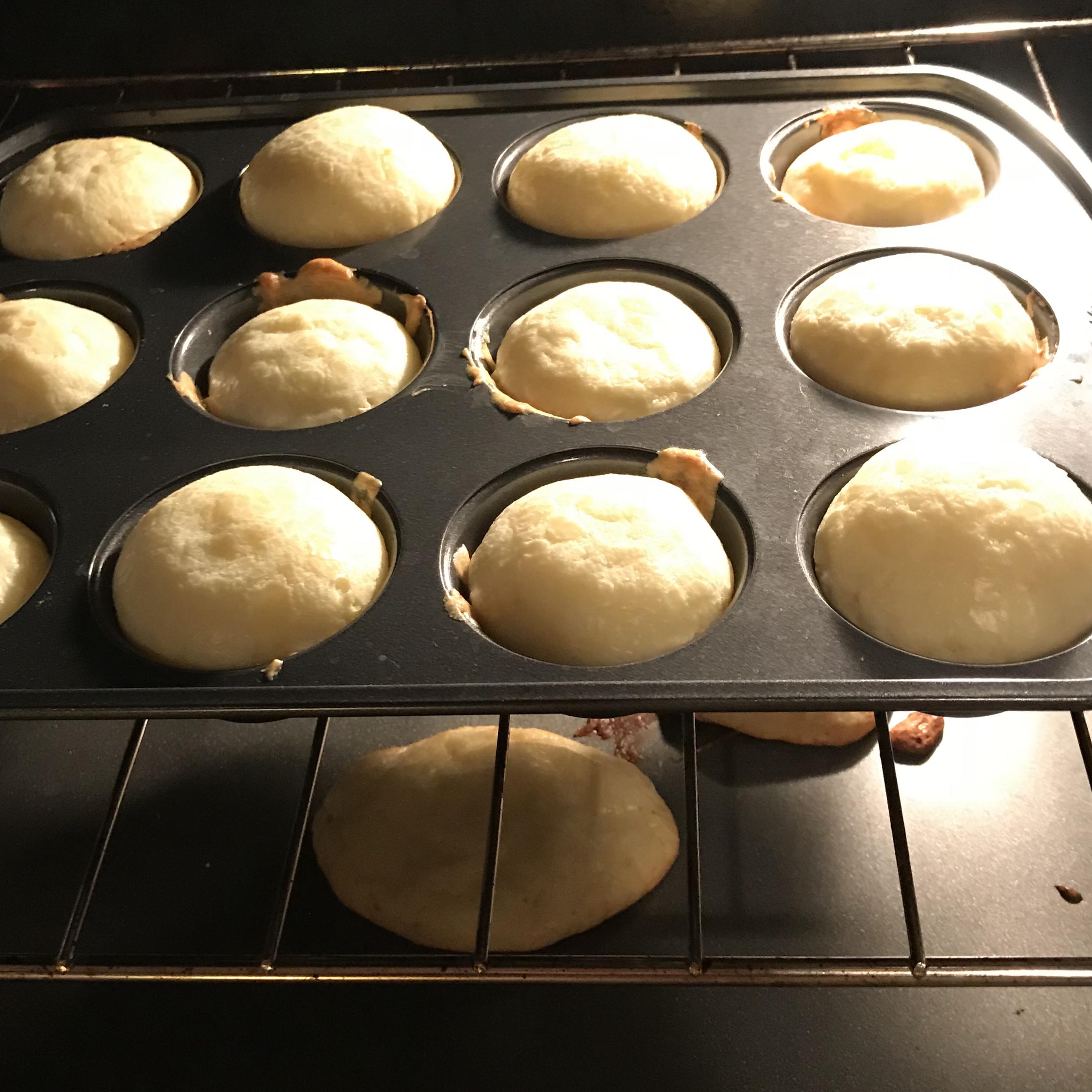 Po de Queijo (Brazilian Cheese Bread) Varinia Arceo