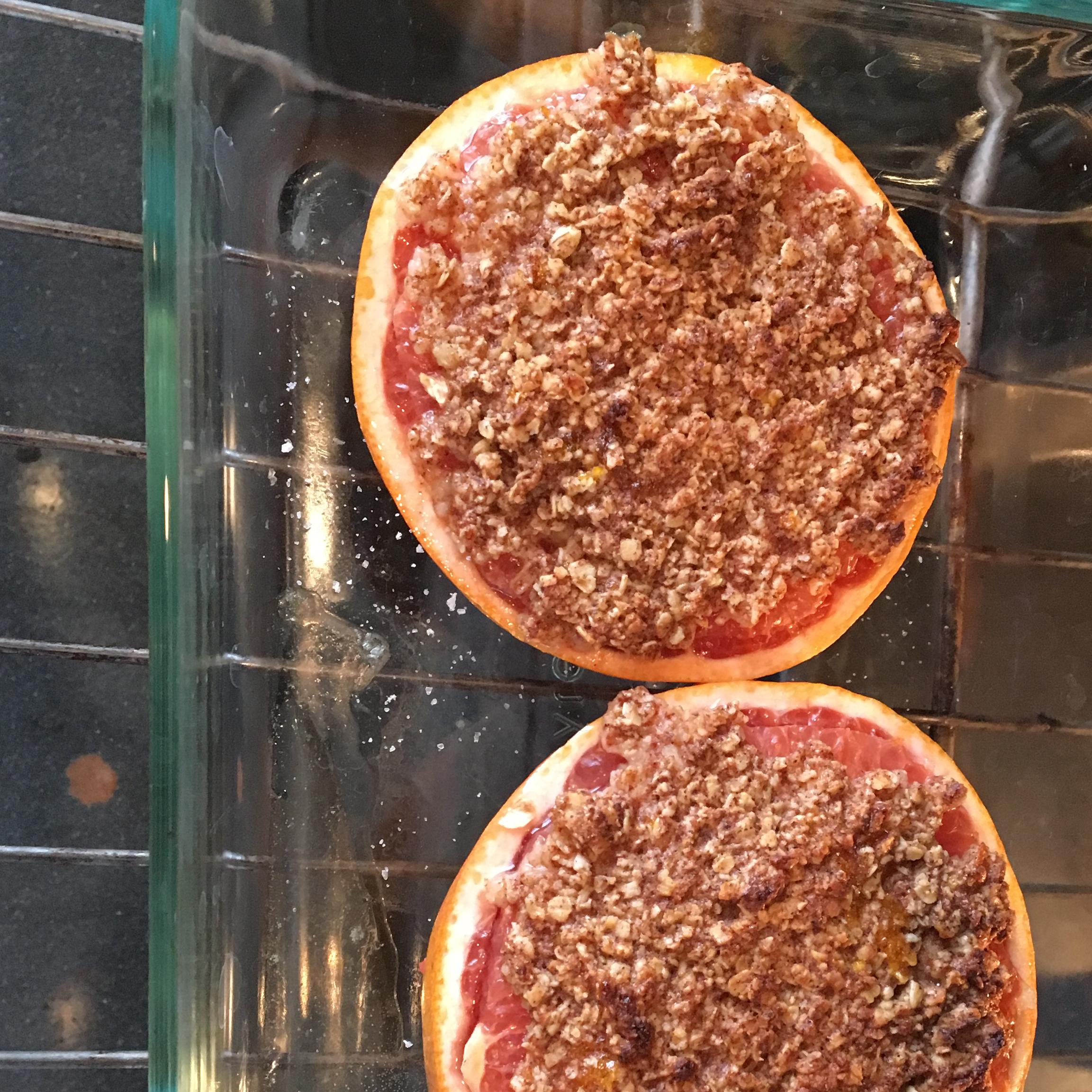 Broiled Grapefruit Crisp cate0248
