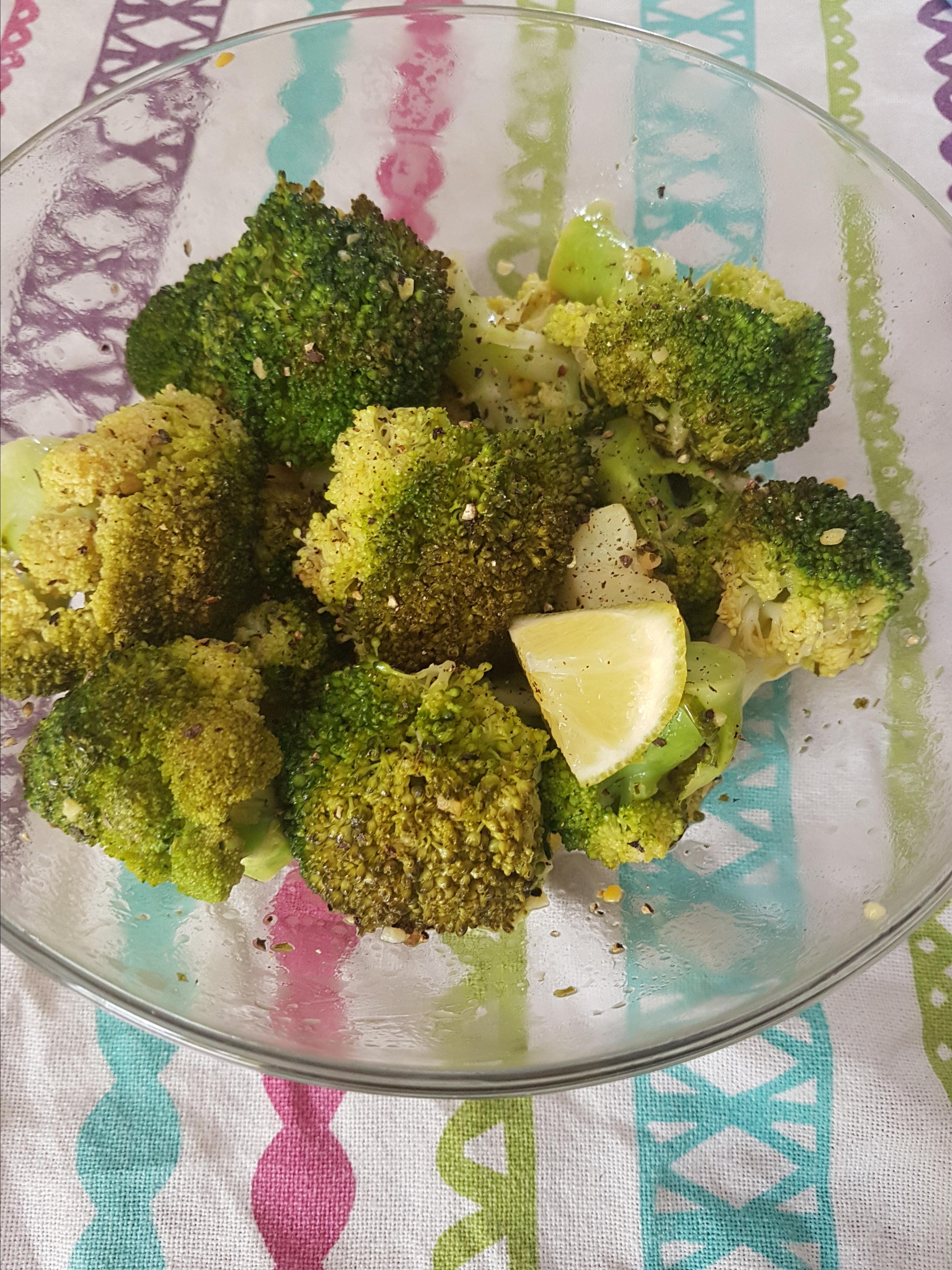 Easy Lemon and Garlic Broccoli Kay