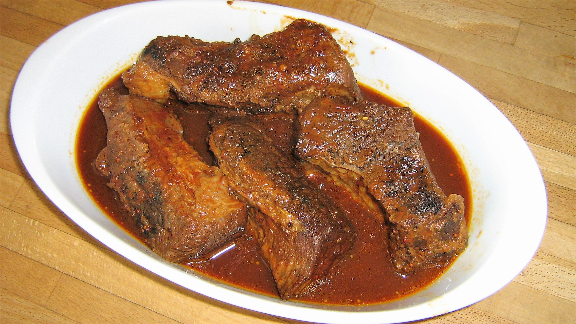 Slow Cooker Barbequed Beef Ribs