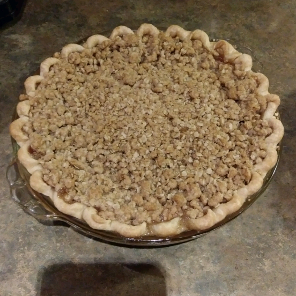 Dutch Apple Pie with Oatmeal Streusel
