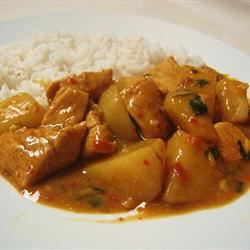 Chicken Curry with Potatoes and Lemongrass Brittney Tun