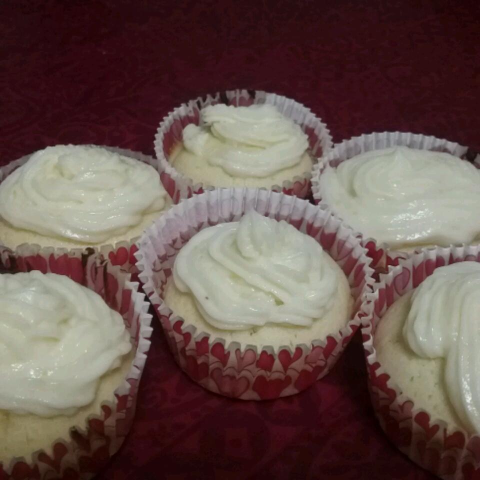 Lemon Cupcakes with Lemon Frosting Keke Bais