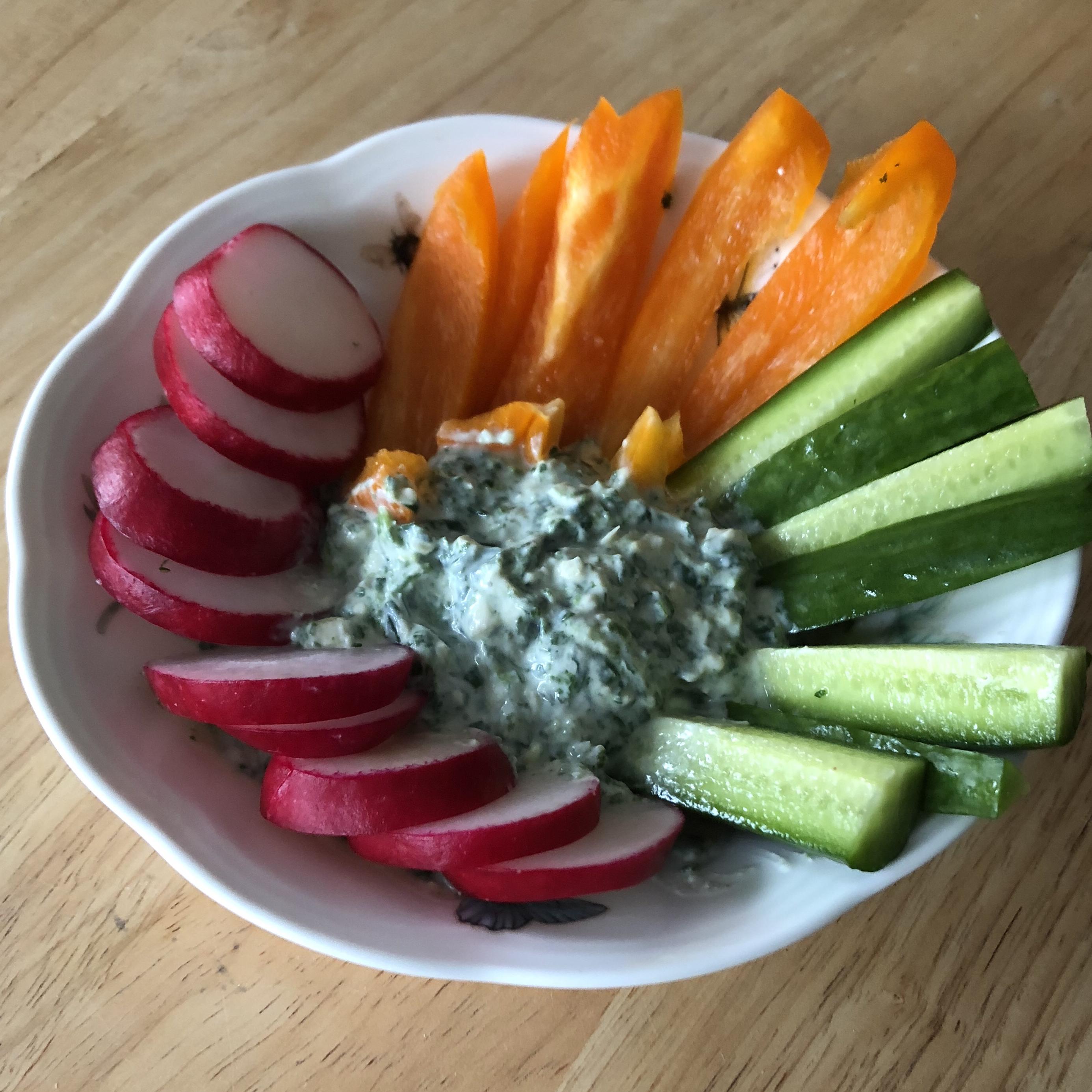 Spinach and Artichoke Greek Yogurt Dip
