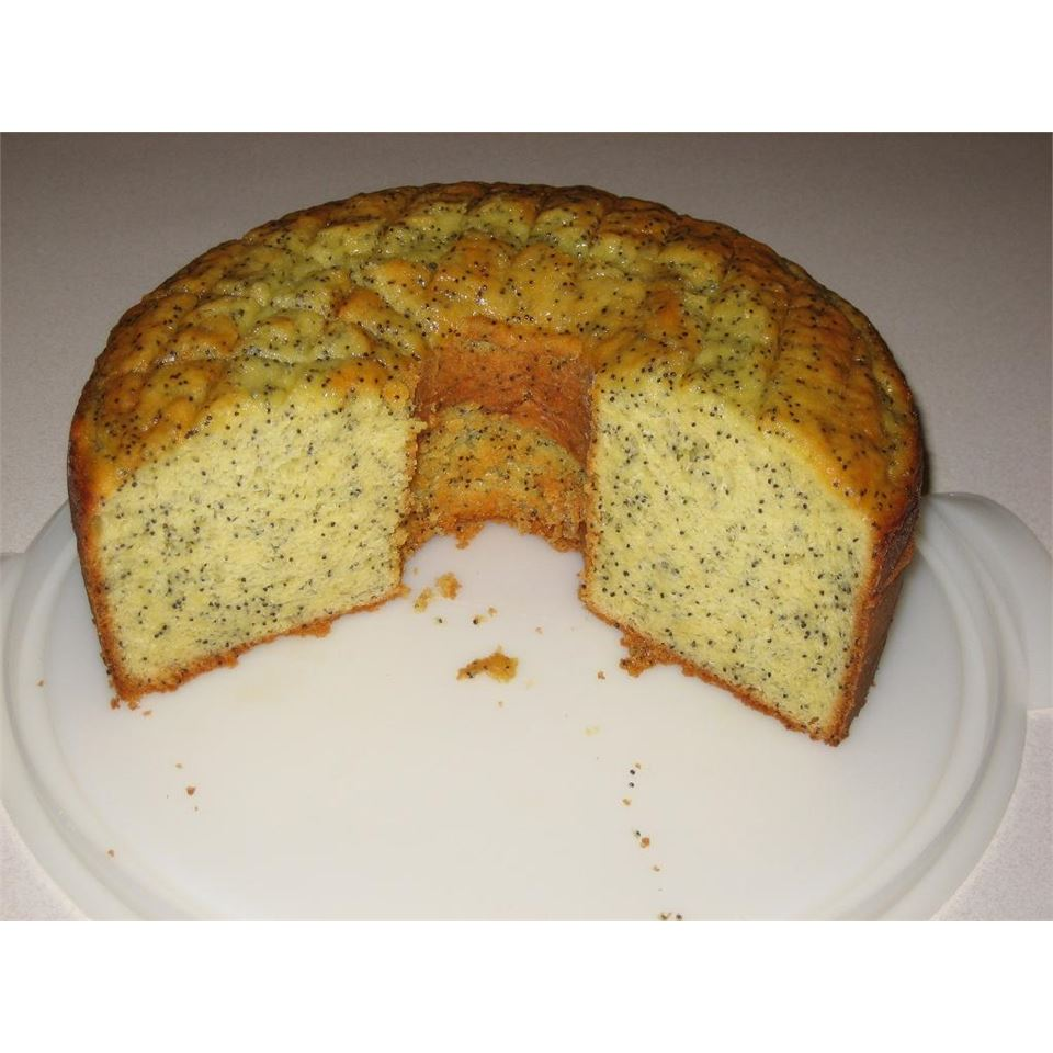 Sour Cream Poppy Seed Cake lau57
