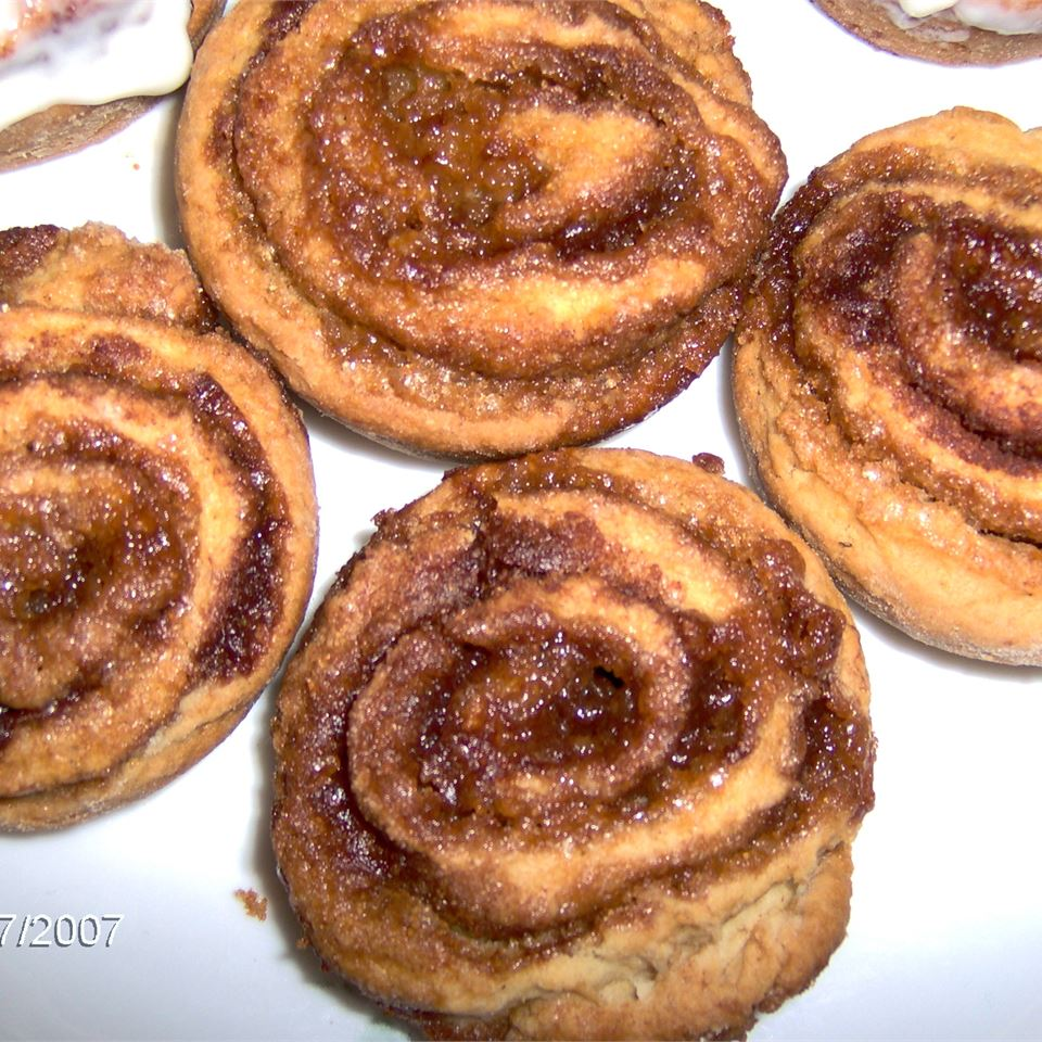 Cinnamon Raisin Pinwheels Sherry