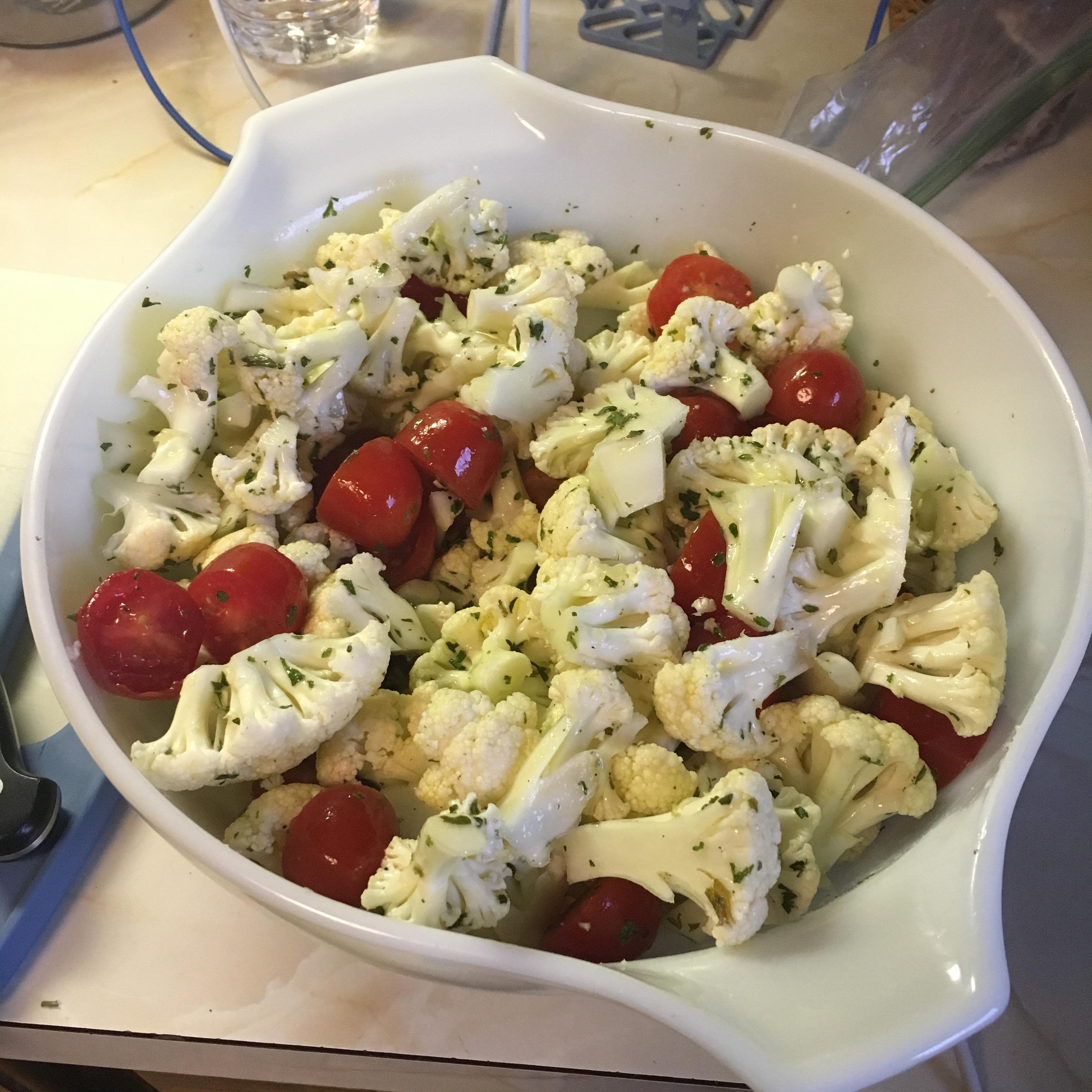 Crunchy Cauliflower and Tomato Salad Phil