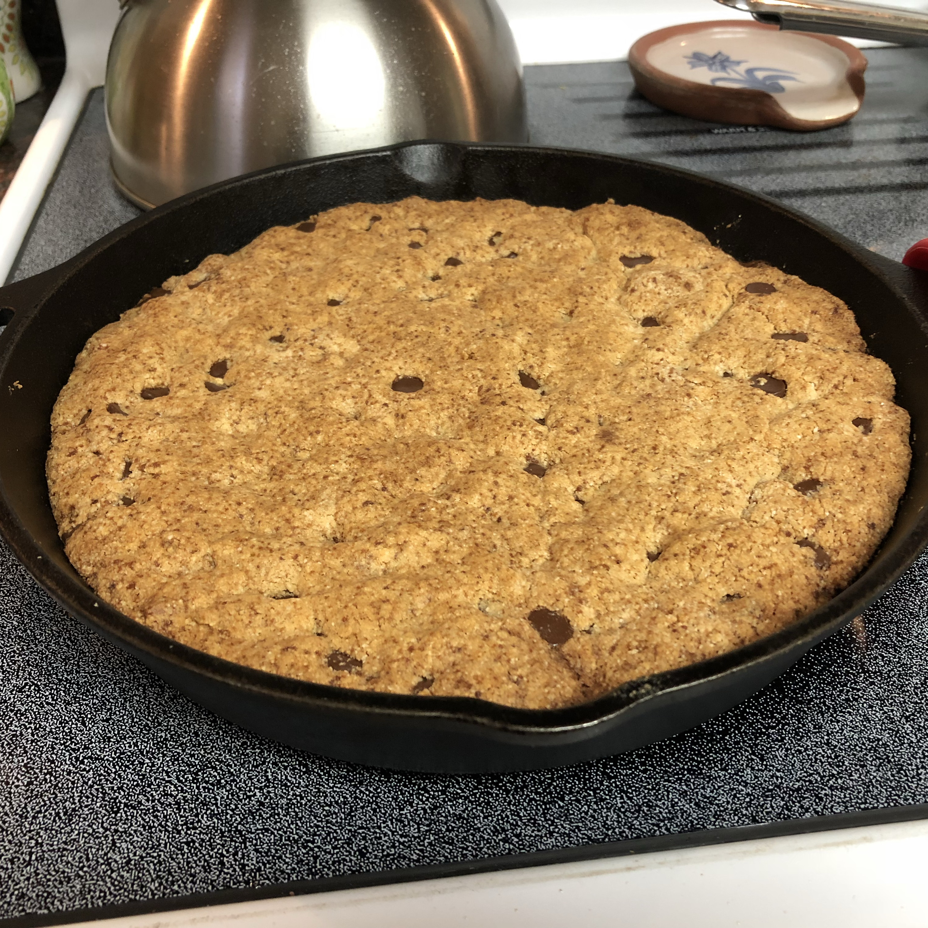 Paleo Skillet Chocolate Chip Cookie