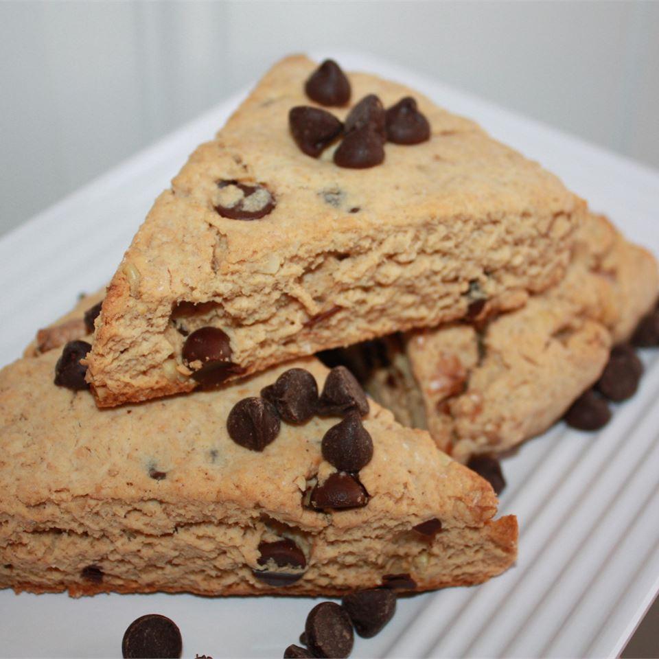 Hazelnut Chocolate Chip Scones footballgrl16