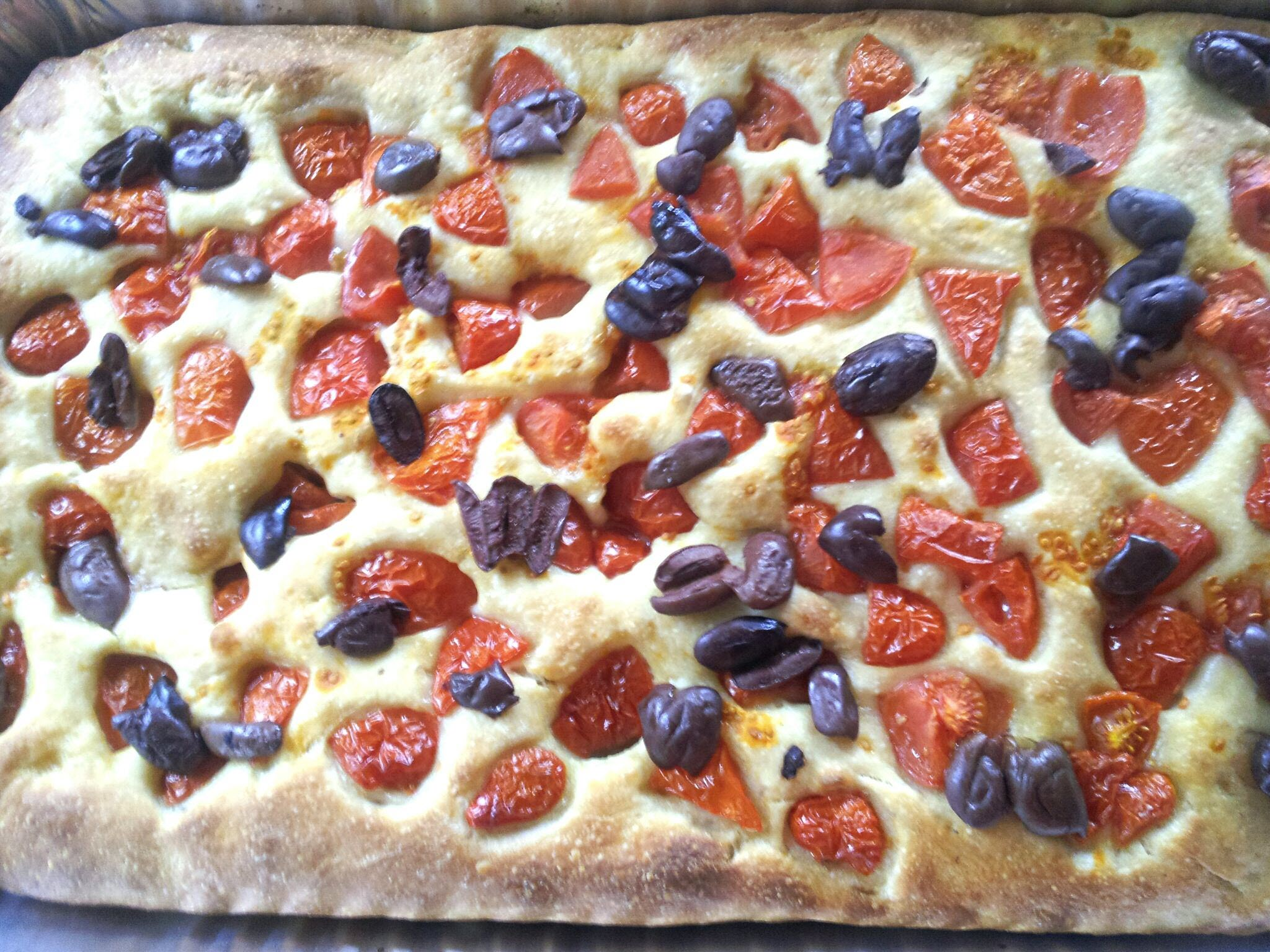 Focaccia Barese al Pomodoro e Olive (Homemade Italian Focaccia with Tomatoes and Olives)
