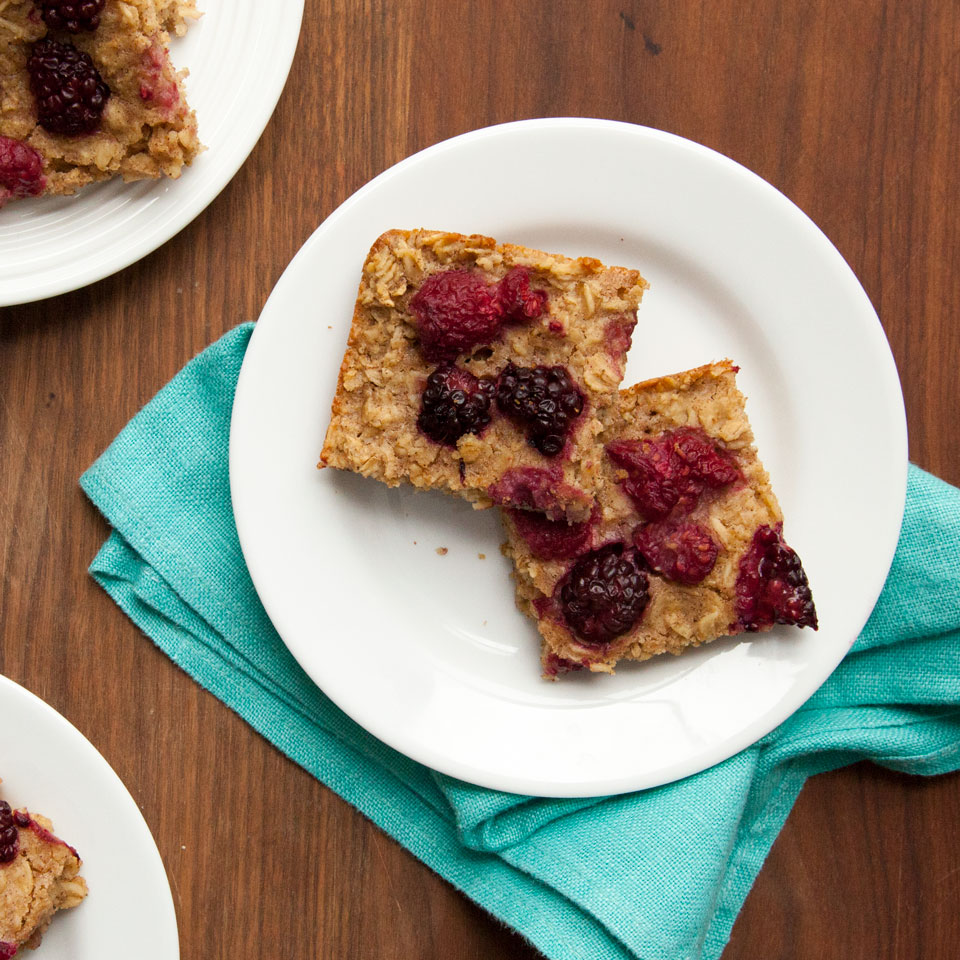 Overnight Oatmeal Bars with Mixed Berries Devon O'Brien