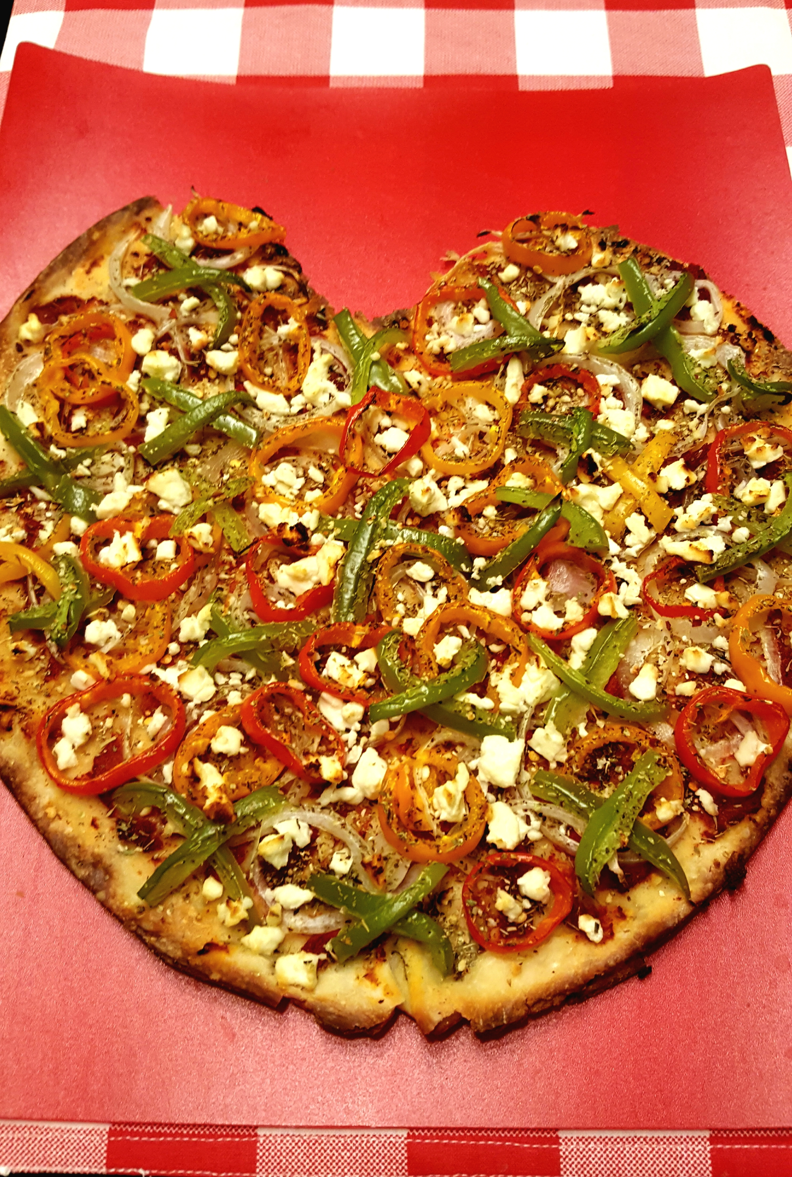 Pizza with Pepper, Onion and Feta