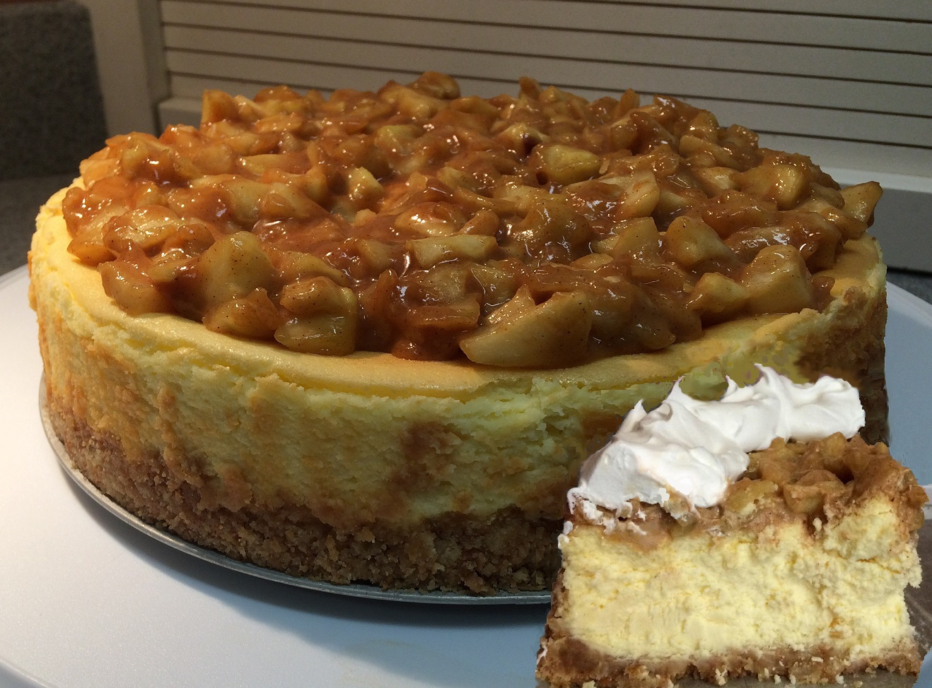 Apple Cheesecake with Caramel Sauce