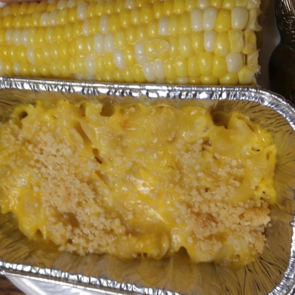 Mini Macaroni and Cheese Cups Lucinda Splitstone