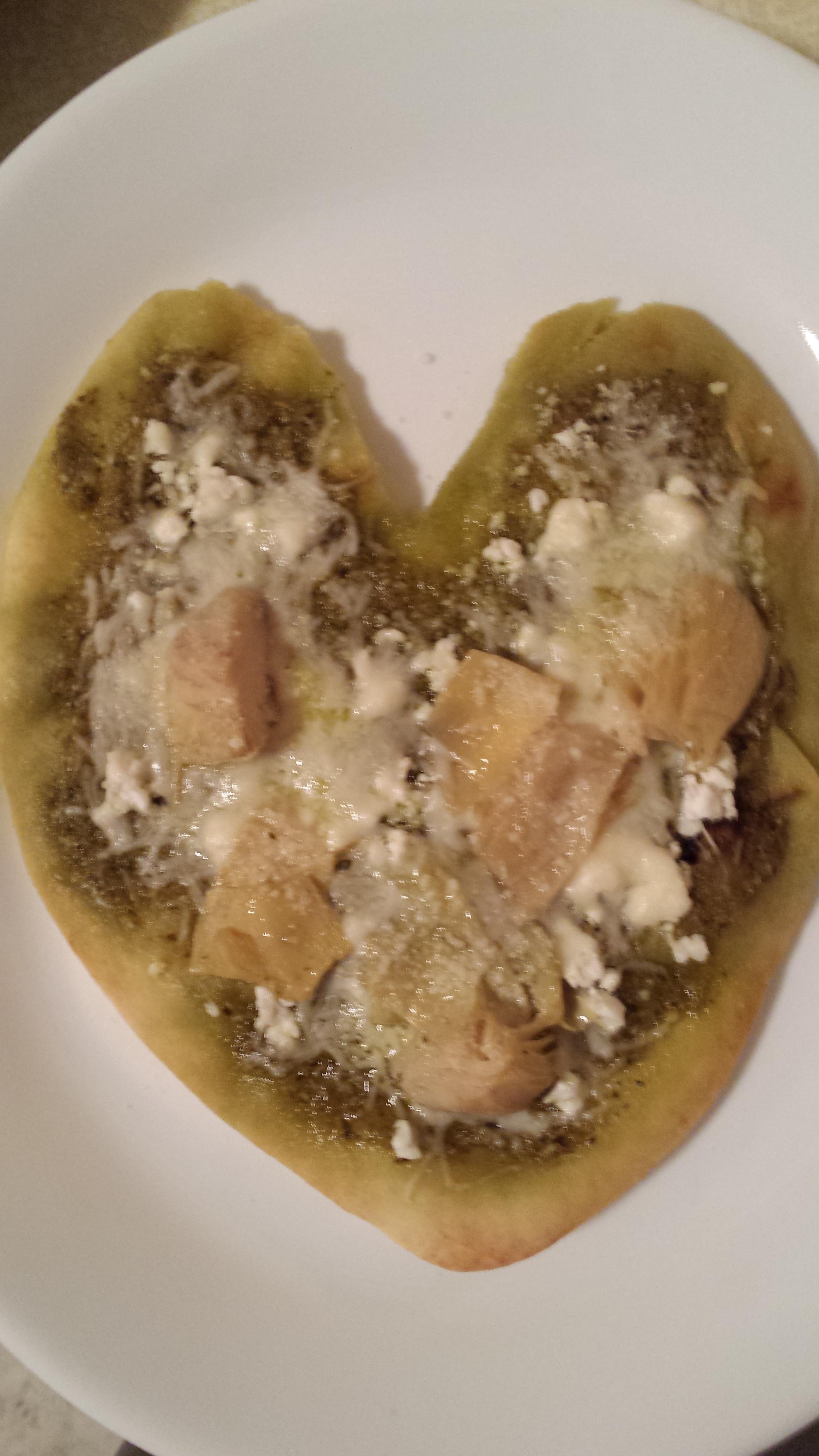 Artichoke, Pesto, and Garlic Naan Bread Pizza Liz Dalton 'Lizzie'