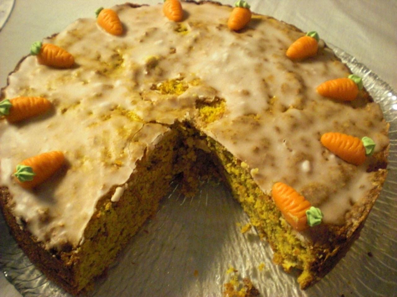 Swiss Almond Carrot Cake (Aargauer Rueblitorte)